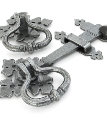 From The Anvil Pewter Shakespeare Latch Set
